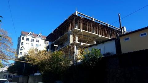 В доме под снос продолжают продавать квартиры