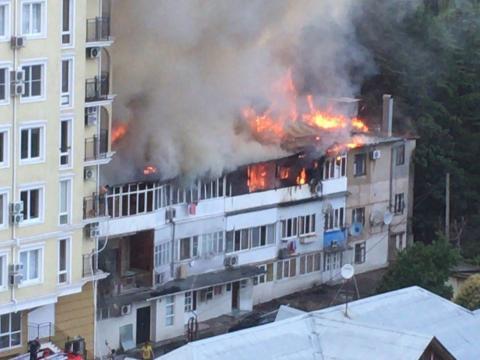 При пожаре в квартире в Сочи погиб мужчина